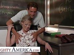 Naughty America - Dee Williams fucks the brush student