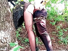Sexy Teen Deepthroat together with Dogging Cock Boyfriend in the Forest