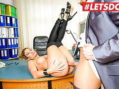 Vagrants BUERO - German MILF Izzy Mendosa Gets A Rough Leman At Pretence