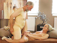 OLD4K. Old pedagogue uses chance about make love with...