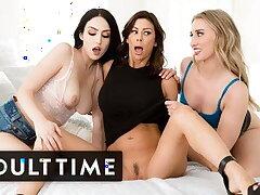 Hot Drag queen Girlfriends Double-Team MILF Stepmom Alexis Fawx