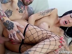 Broad in the beam boobs tattooed babe Chantelle Fox gets hot creampie