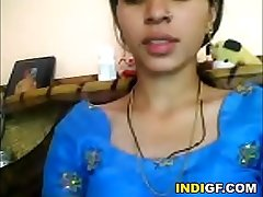 Indian Teen From My School Reveals Her Titties